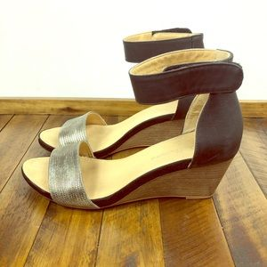 CL by Laundry Hot Zone Silver Black Wedge Size 8